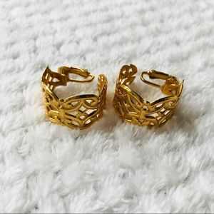 Jewelry - Gold clip on hoop earrings with lattice design